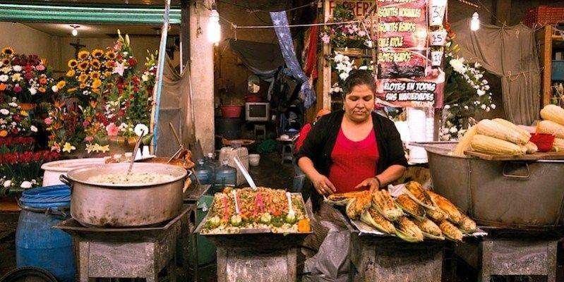 799x449xmexico_woman-street-stall-799x449.jpg.pagespeed.ic.0i1Dwcye4B