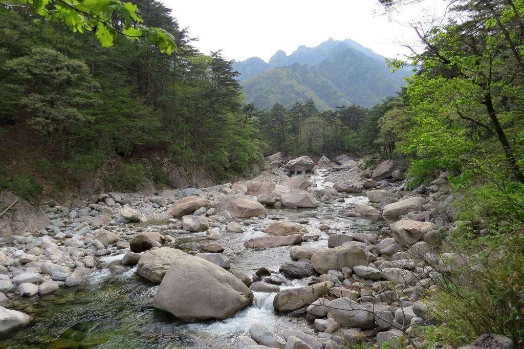 Walking in Seoraksan National Park